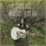 Neue Songs: Chelsea Wolfe - Woodstock (Joni Mitchell Cover) / Green Altar